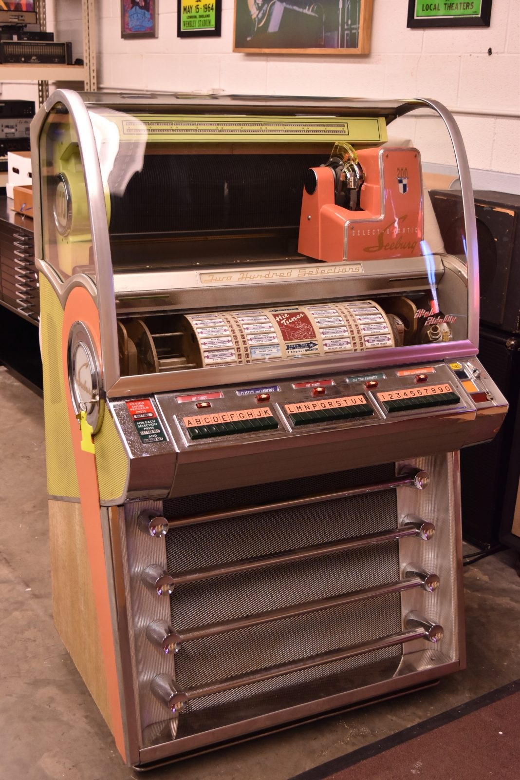 Seeburg Jukebox V200 Jukebox Vintage Audio Exchange