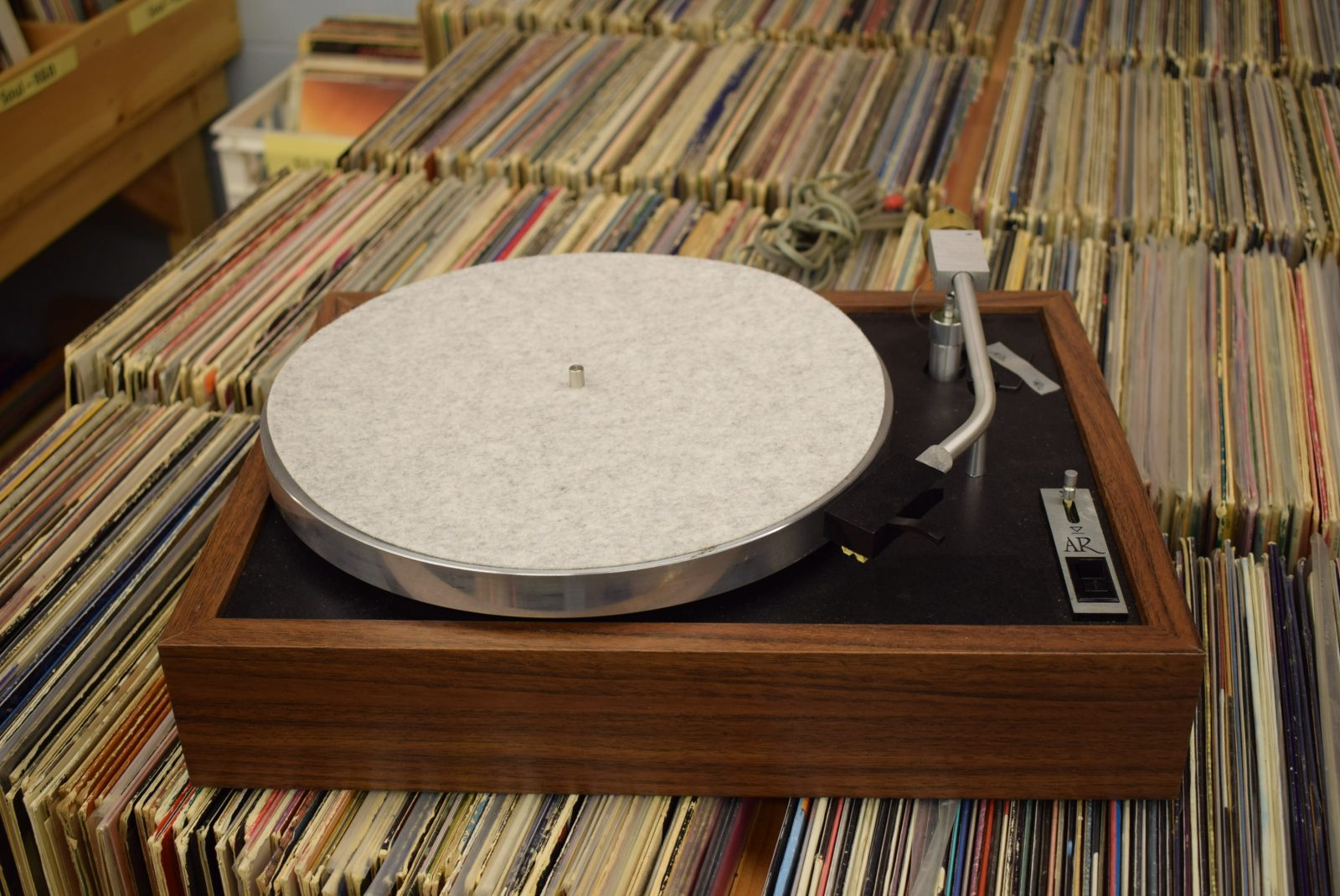 Acoustic Research - AR - Turntable - Model: XB