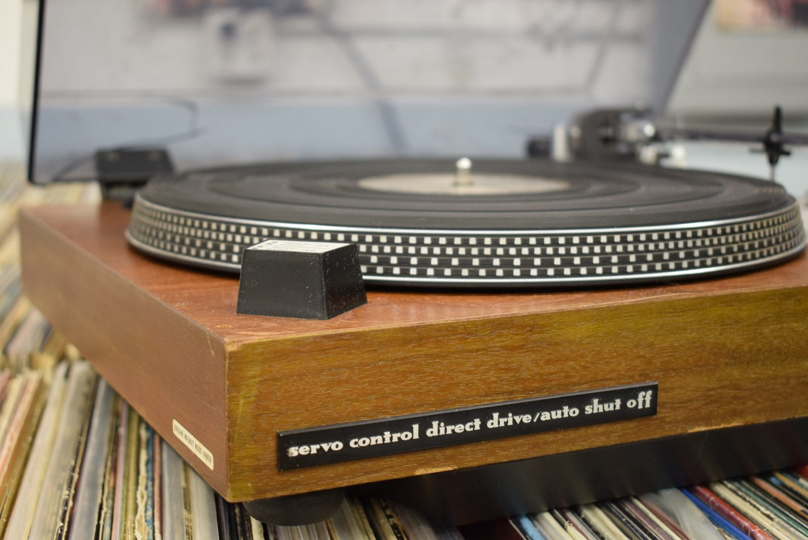Marantz Turntable - Model: 6300