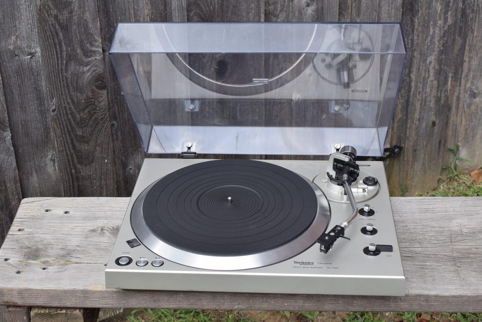Technics Turntable - Model: SL-1301
